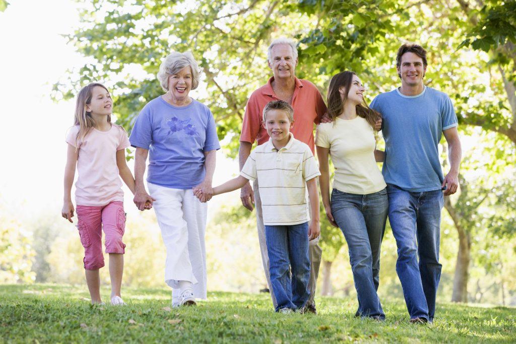 Посещение пенсионеров в доме престарелых