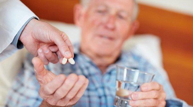 помощь в приеме таблеток