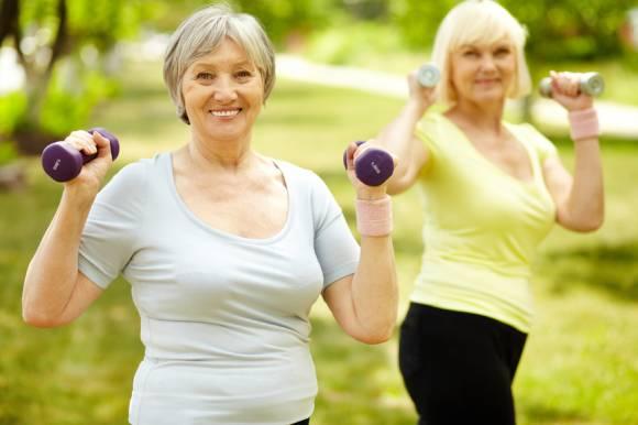 растяжка для пожилых людей
