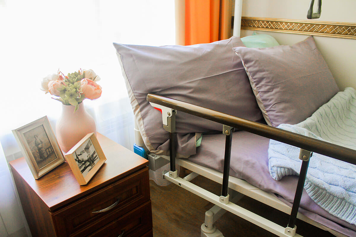 комфортное помещение дома престарелых