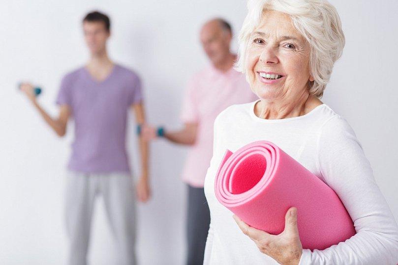 тренировка в доме престарелых