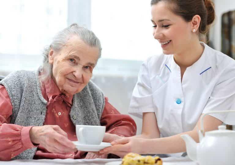 забота в доме престарелых