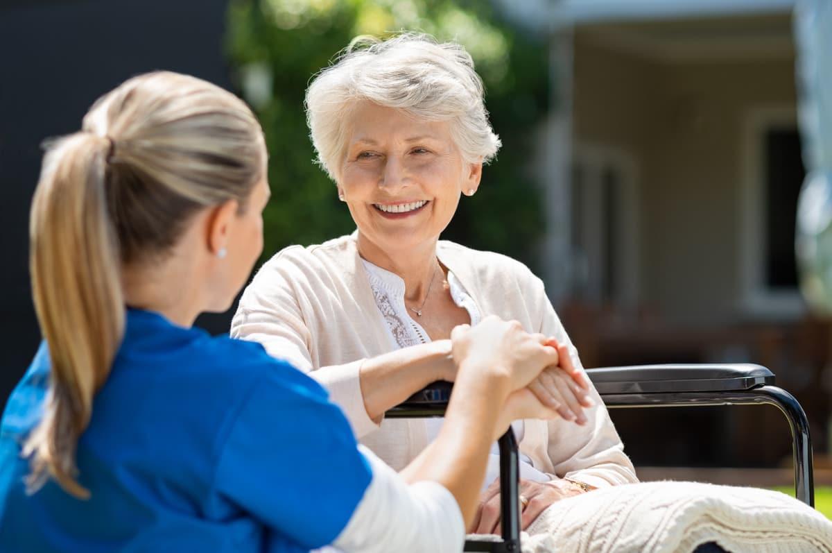 регулярная помощь престарелому